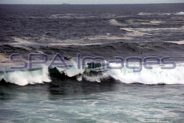 Flying Surfer Big Waves Bronte Beach 300115D-0118.JPG