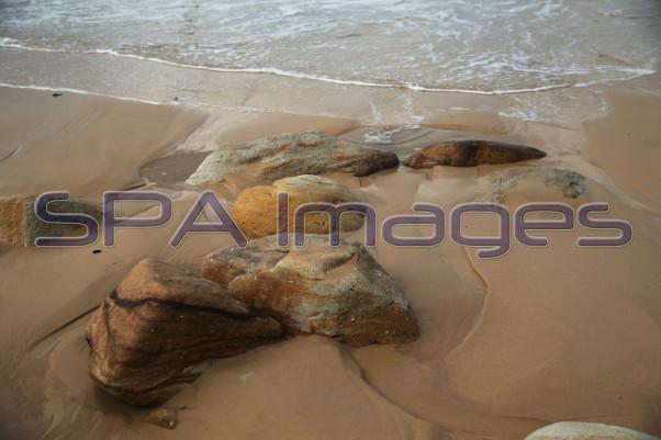 Sandstone Rocks Bondi Beach 230415D-2120.JPG