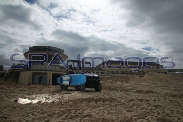 Bondi Beach Lifeguard Tower Rhino 230415D-2333.JPG