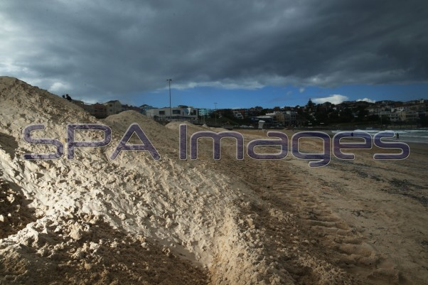 Bondi Beach Sand Storm 230415D-2250.JPG