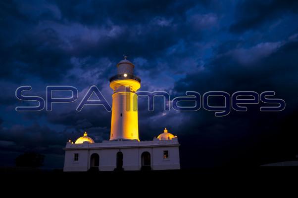 Watsons Bay Lighthouse Storms 061115D-1621R.jpg