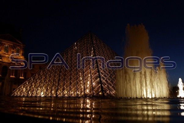 Le Louvre 100910D-9594.JPG