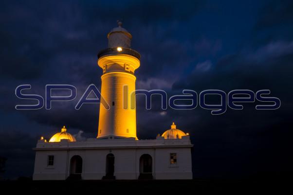 Watsons Bay Lighthouse Storms 061115D-1625R.jpg