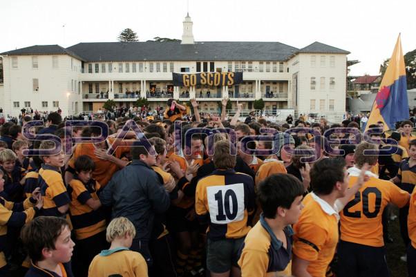 Crowd Scots 020607D-3756.JPG